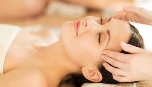 Cách massage bấm huyệt thái dương trị bệnh